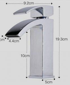 Elegantná batéria do kúpeľne BECOLA
