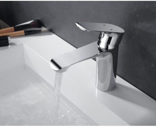 Klasická chrómová kúpeľňová batéria